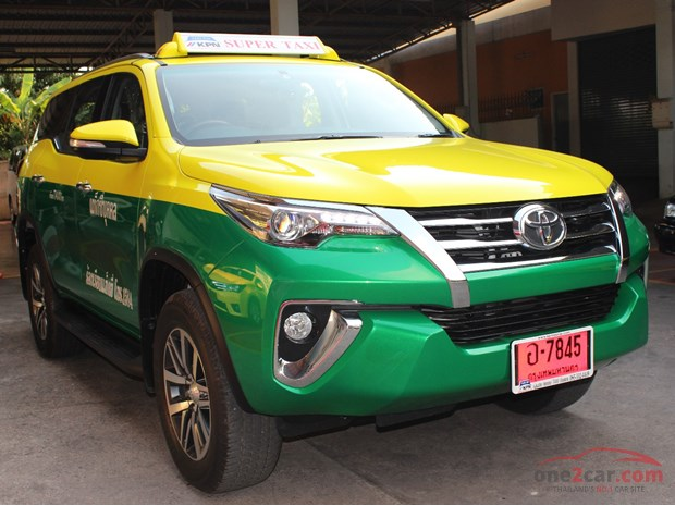 tax van fortuner